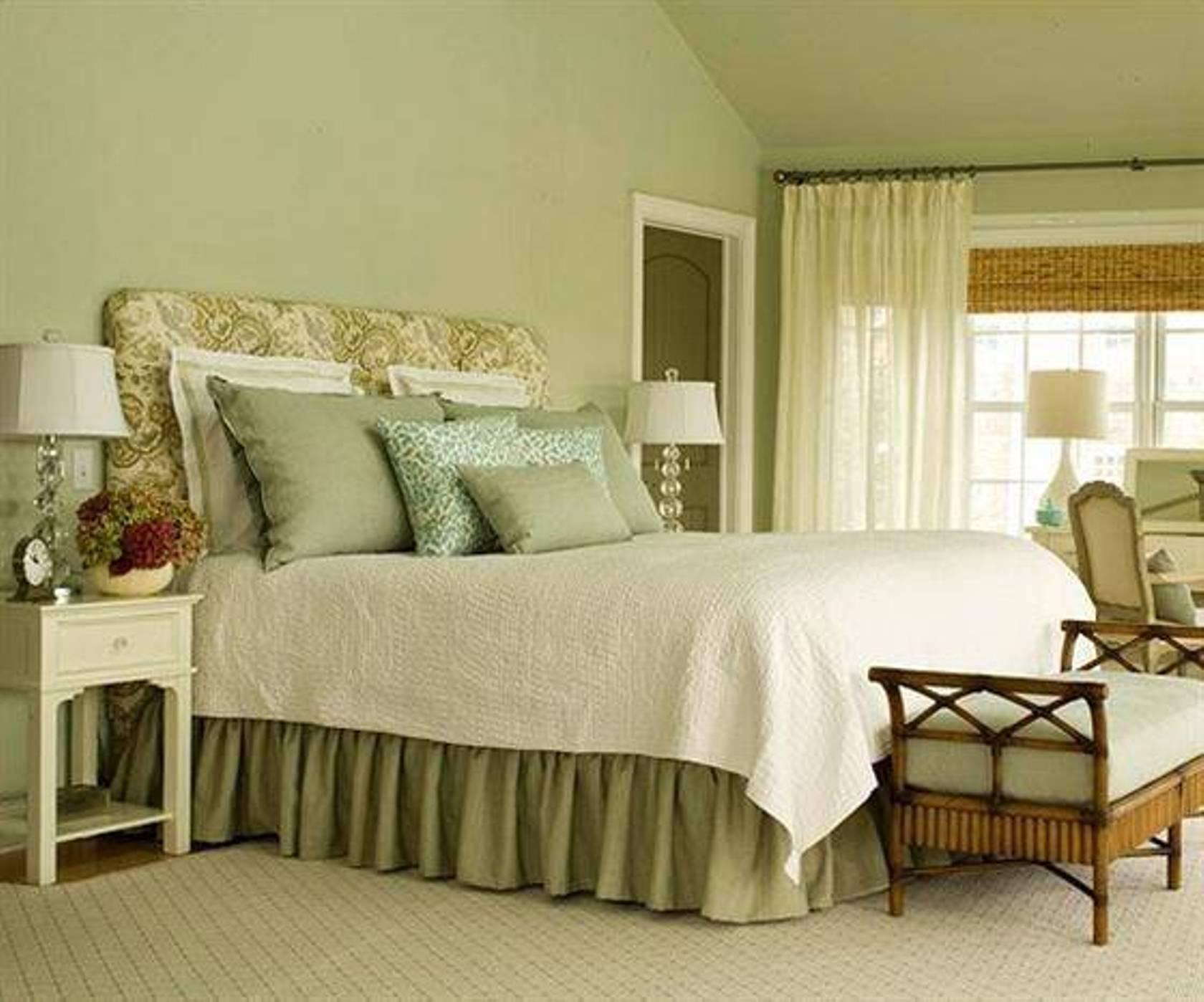 C mo decorar un dormitorio de matrimonio qu s y qu no for Modelo de tapiceria para dormitorio adulto