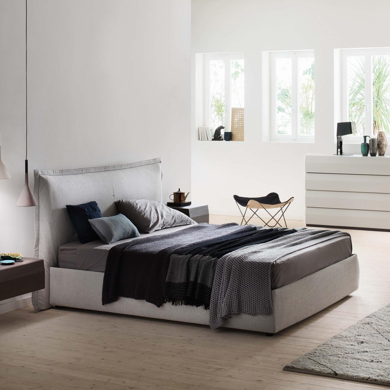 Habitaci n de matrimonio moderna mobiliario cehome for Sillas para habitacion matrimonio